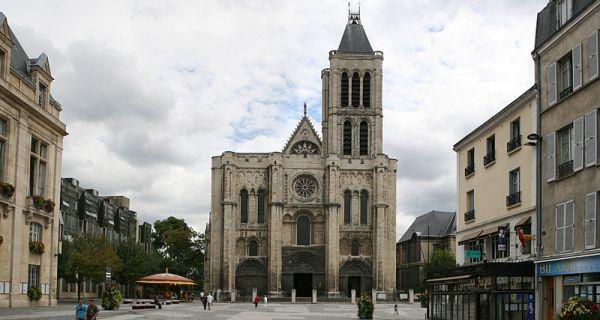 La basilique de Saint Denis et le projet de restitution de la flèche