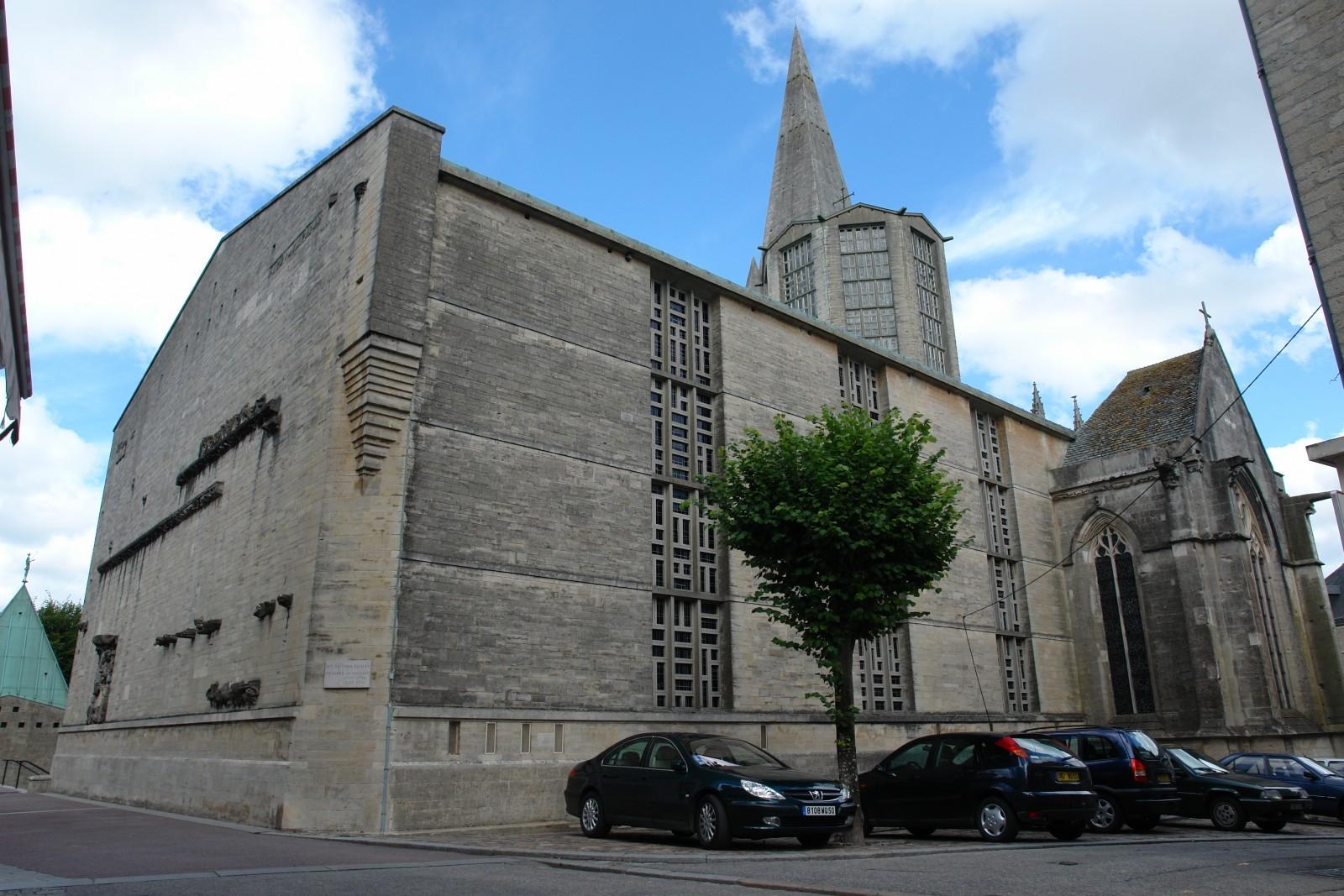 Église Saint-Malo de Valognes © F. Malservisi