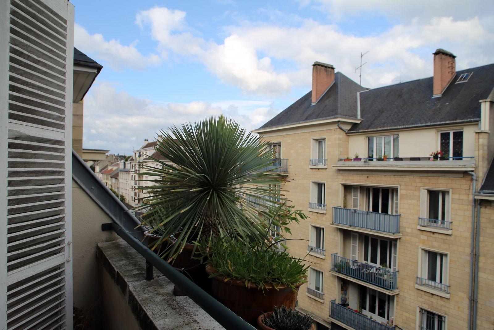 Façades en pierre calcaire, Ali Tur architecte (Caen). ©Élisabeth Blanchet