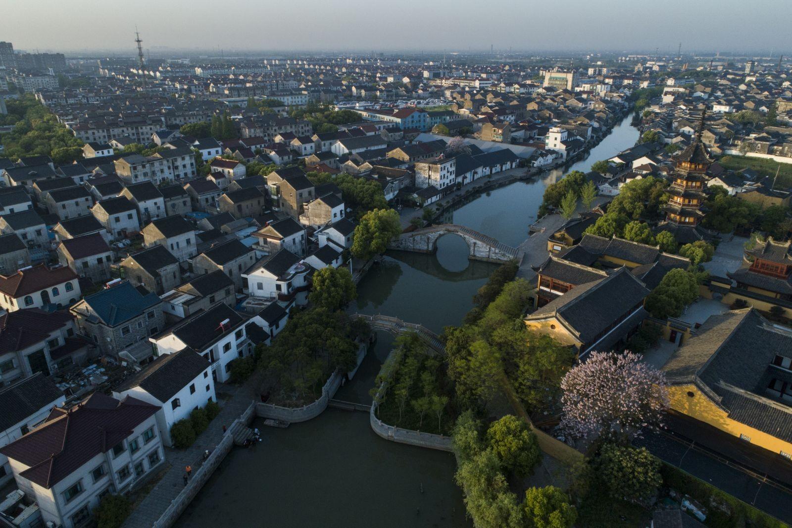 Vue du ciel, la petite ville d'eau de Zhenze, dans la province du Jiangsu. ©Zhenze Tourism Culture Development Co., Ltd.