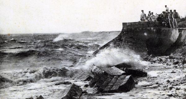La défense des côtes sur l'Île de Ré : quand patrimoine et préoccupations actuelles de protection des territoires s'accordent