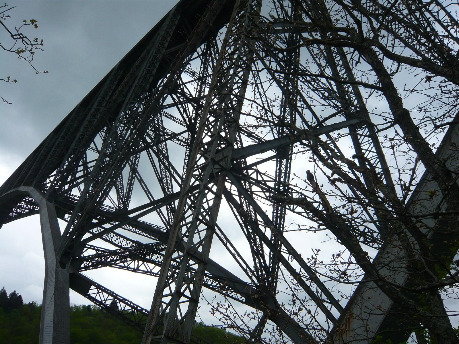 Détail du viaduc du Viaur près d'Albi, 1902, l'un des plus grands viaducs métalliques de France. © Bertrand Lemoine