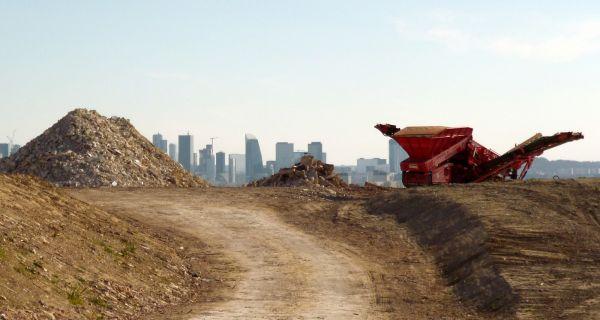 Du déchet au matériau, au socle de paysage. Quel cycle économique pour les terres du Grand Paris Express ?