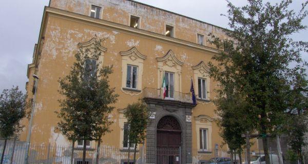 Les villas vésuviennes du XVIII(sup: e) siècle : splendeur et décadence, entre artifice  et nature.